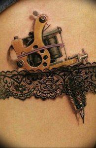 Фото тату подвязка для чулков 20.05.2019 №014 - photo tattoo garter - tattoo-photo.ru