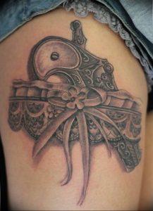 Фото тату подвязка для чулков 20.05.2019 №318 - photo tattoo garter - tattoo-photo.ru
