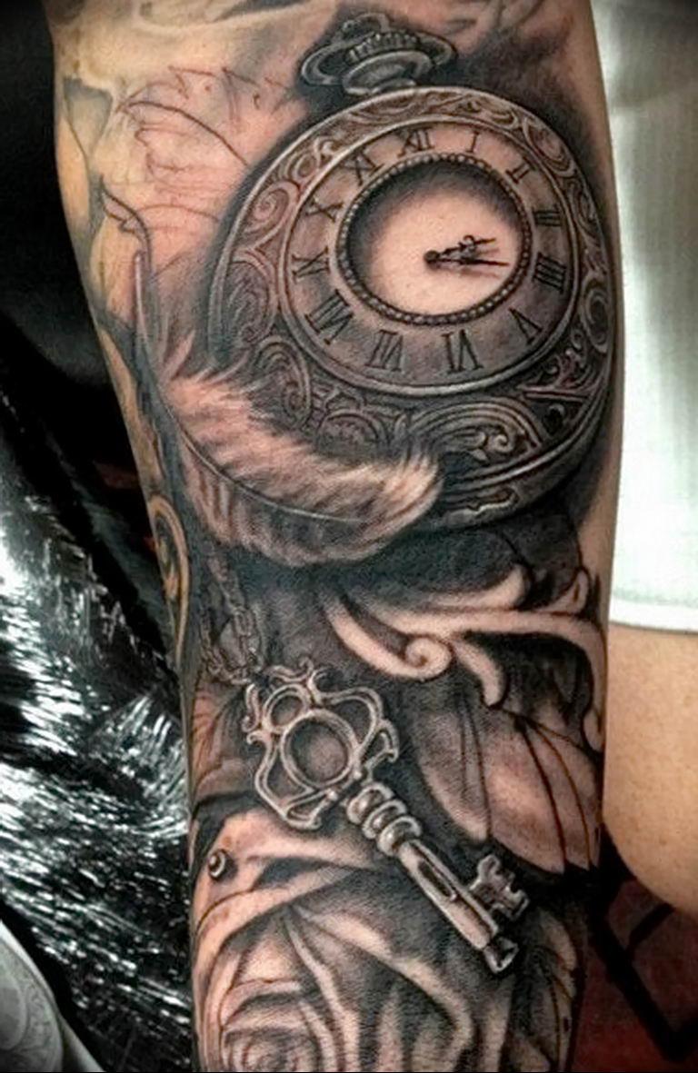 фото тату часов и обозначение удовольствие, любуясь
