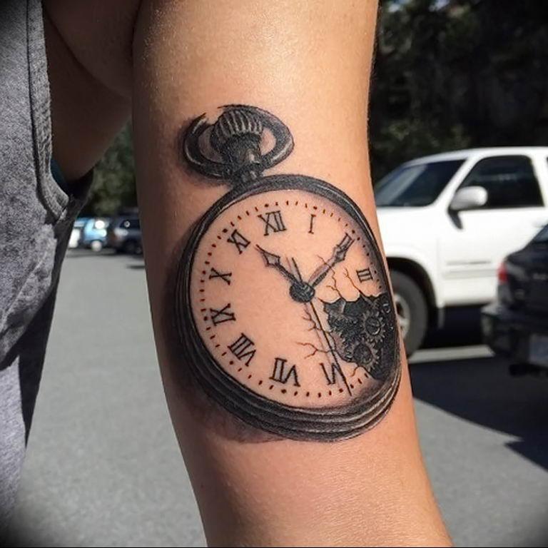 чем фото тату часов и обозначение разделяют километры, хочу