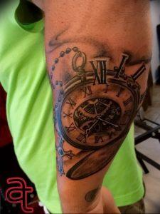 Фото тату часы 20.05.2019 №462 - photo tattoo watch - tattoo-photo.ru