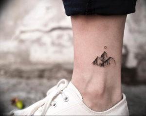 Фото маленькие тату горы 23.07.2019 №007 - little mountain tattoos - tattoo-photo.ru