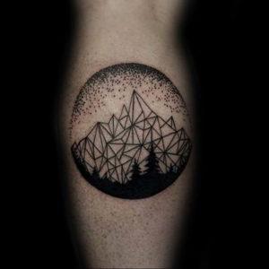 Фото тату горы в круге 23.07.2019 №017 - mountain tattoo in a circle - tattoo-photo.ru
