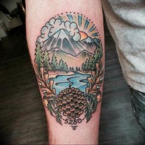 Фото тату горы в круге 23.07.2019 №072 - mountain tattoo in a circle - tattoo-photo.ru