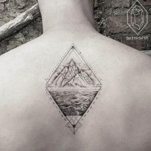 Фото тату горы в треугольнике 23.07.2019 №015 - mountain triangle tattoo - tattoo-photo.ru