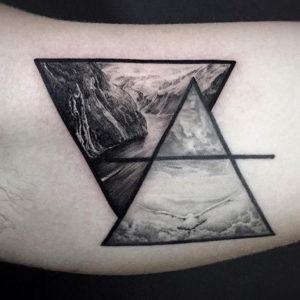 Фото тату горы в треугольнике 23.07.2019 №036 - mountain triangle tattoo - tattoo-photo.ru