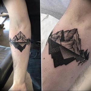 Фото тату горы геометрия 23.07.2019 №015 - mountain tattoo geometry - tattoo-photo.ru