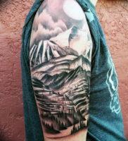 Фото тату горы мужские 23.07.2019 №001 — men's mountains tattoo — tattoo-photo.ru