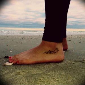 Фото тату горы на ноге 23.07.2019 №001 - mountain tattoo on foot - tattoo-photo.ru