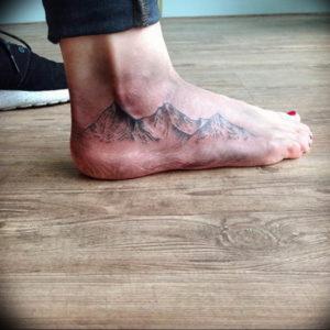 Фото тату горы на ноге 23.07.2019 №017 - mountain tattoo on foot - tattoo-photo.ru