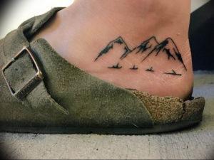 Фото тату горы на ноге 23.07.2019 №023 - mountain tattoo on foot - tattoo-photo.ru