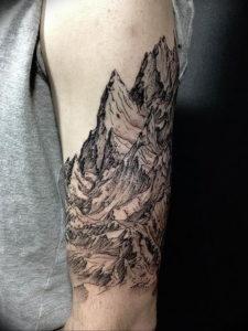 Фото тату горы на предплечье 23.07.2019 №016 - forearm mountain tattoo - tattoo-photo.ru