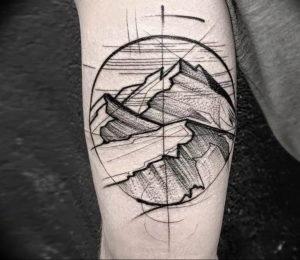 Фото тату горы на предплечье 23.07.2019 №027 - forearm mountain tattoo - tattoo-photo.ru