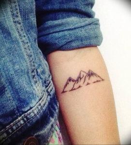 Фото тату горы на предплечье 23.07.2019 №078 - forearm mountain tattoo - tattoo-photo.ru