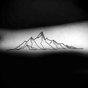 Фото тату горы на предплечье 23.07.2019 №083 - forearm mountain tattoo - tattoo-photo.ru
