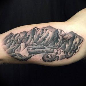 Фото тату горы на руке 23.07.2019 №023 - mountain tattoo on hand - tattoo-photo.ru