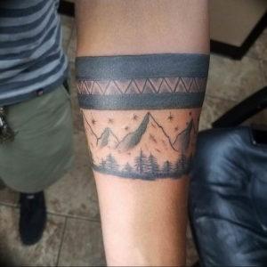 Фото тату горы на руке 23.07.2019 №039 - mountain tattoo on hand - tattoo-photo.ru