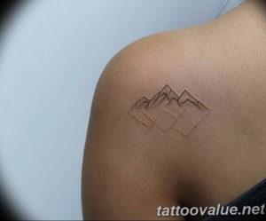 Фото тату горы на спине 23.07.2019 №033 - mountain tattoo on the back - tattoo-photo.ru