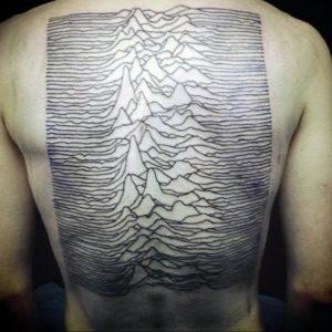 Фото тату горы на спине 23.07.2019 №041 - mountain tattoo on the back - tattoo-photo.ru