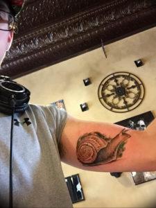 Фото тату улитка 28.07.2019 №093 - snail tattoo - tattoo-photo.ru