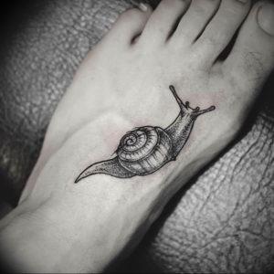 Фото тату улитка 28.07.2019 №130 - snail tattoo - tattoo-photo.ru