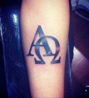 Фото альфа и омега тату 13.08.2019 №040 — alpha and omega tattoo — tattoo-photo.ru