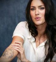 Фото тату Меган Фокс 23.09.2019 №001 — Megan Fox Tattoos — tattoo-photo.ru