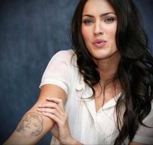 Фото тату Меган Фокс 23.09.2019 №001 - Megan Fox Tattoos - tattoo-photo.ru