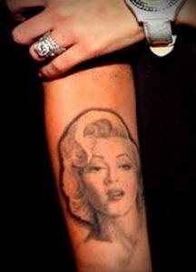 Фото тату Меган Фокс 23.09.2019 №007 - Megan Fox Tattoos - tattoo-photo.ru