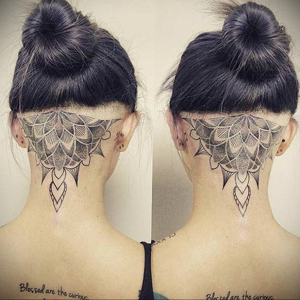 тату лотос на затылке 24.09.2019 №008 -the back of the head tattoo- tattoo-photo.ru