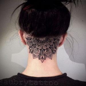 тату на затылке для девушек 24.09.2019 №002 -the back of the head tattoo- tattoo-photo.ru