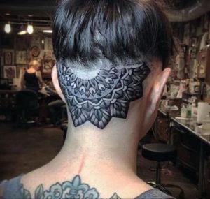 тату на затылке для девушек 24.09.2019 №005 -the back of the head tattoo- tattoo-photo.ru