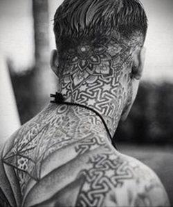 тату на затылке для мужчин 24.09.2019 №010 -the back of the head tattoo- tattoo-photo.ru