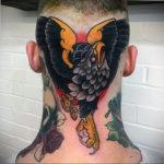 фото татуировки на затылке 24.09.2019 №015 -the back of the head tattoo- tattoo-photo.ru