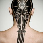 фото татуировки на затылке 24.09.2019 №017 -the back of the head tattoo- tattoo-photo.ru