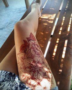 Мехенди на ляжках фото пример 14.02.2020 №061 -Mehendi on thighs- tattoo-photo.ru