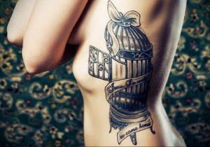 птица вылетает из клетки тату 02.01.2019 №016 -bird cage tattoo- tattoo-photo.ru