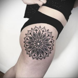 тату мандала на бедре 04.02.2020 №101 -mandala tattoo- tattoo-photo.ru
