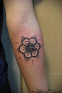 фото пример тату мандала 04.02.2020 №020 -mandala tattoo- tattoo-photo.ru