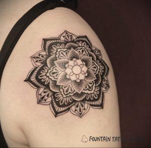 фото пример тату мандала 04.02.2020 №026 -mandala tattoo- tattoo-photo.ru