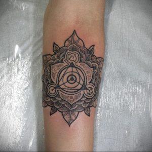 фото пример тату мандала 04.02.2020 №093 -mandala tattoo- tattoo-photo.ru