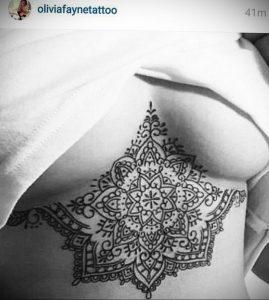 фото тату мандала на груди 04.02.2020 №019 -mandala tattoo- tattoo-photo.ru