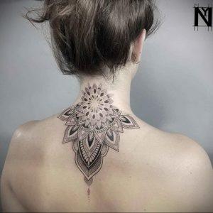 фото тату мандала на шее 04.02.2020 №114 -mandala tattoo- tattoo-photo.ru