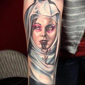 Тату Монашка в стиле хоррор 16.02.2020 №1009 -nun tattoo- tattoo-photo.ru