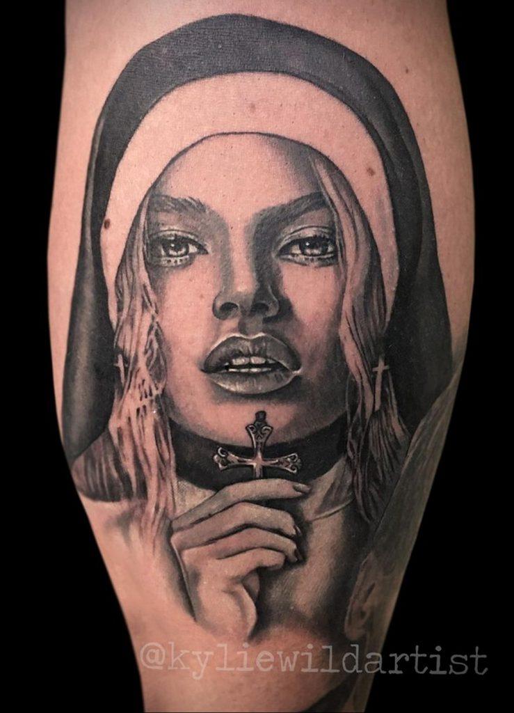 Тату Монашка с крестом 16.02.2020 №1004 -tattoo nun with a cross- tattoo-photo.ru