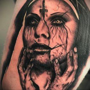 Тату Монашка с крестом 16.02.2020 №1012 -tattoo nun with a cross- tattoo-photo.ru