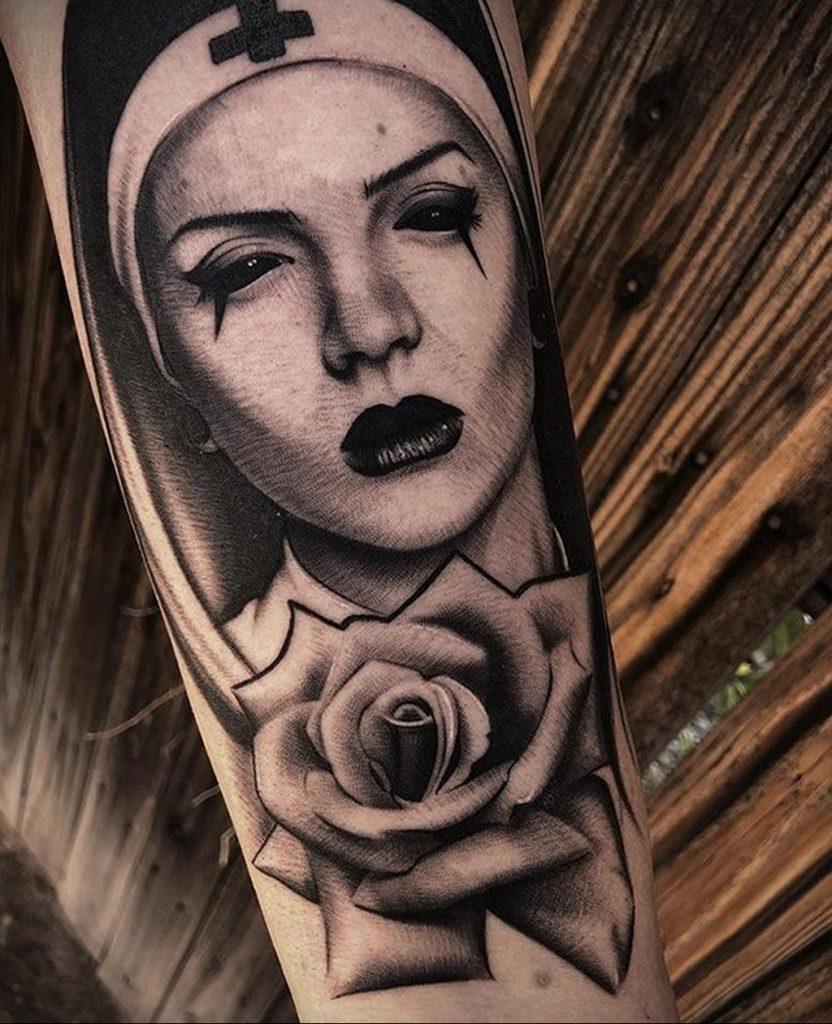 Тату Монашка с крестом 16.02.2020 №1024 -tattoo nun with a cross- tattoo-photo.ru