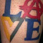 Фото знак анархии тату 24.03.2020 №002 -tattoo anarchy- tattoo-photo.ru