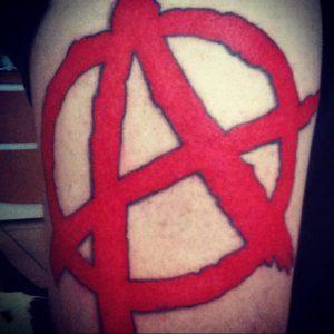 Фото знак анархии тату 24.03.2020 №005 -tattoo anarchy- tattoo-photo.ru