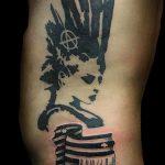 Фото знак анархии тату 24.03.2020 №007 -tattoo anarchy- tattoo-photo.ru
